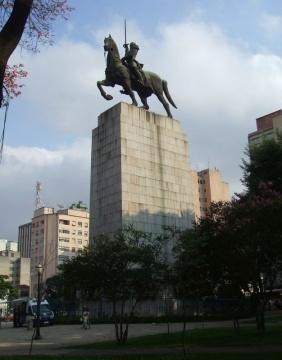 Monumento_ao_Duque_de_Caxias,_de_Victor_Brecheret_01